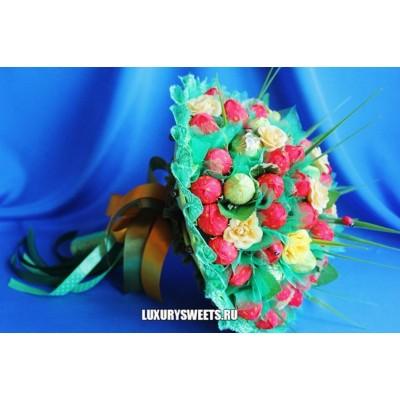 Букет из конфет Клубничный нектар