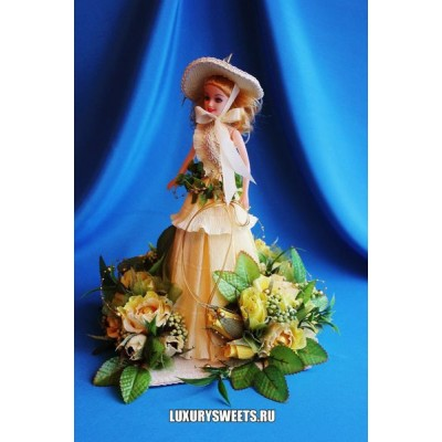 Кукла из конфет Красавица Весна