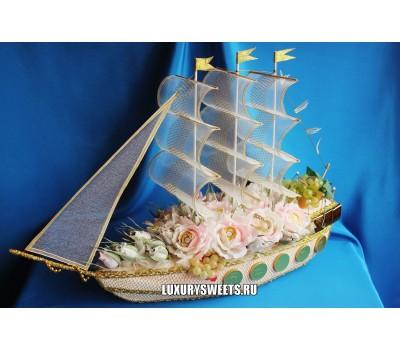 Корабль из конфет Арабелла