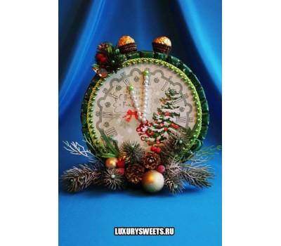 Композиция из конфет Часики новогодние 4 (двухсторонние)