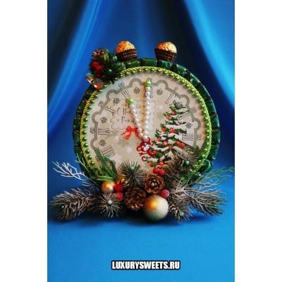 Композиция из конфет Часики новогодние (двухсторонние)