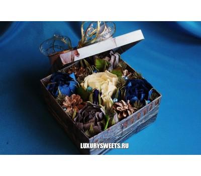 Композиция из конфет Чудеса в коробке 2