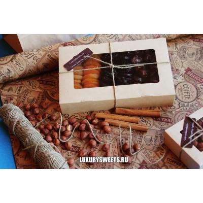 Подарочный набор из сухофруктов Комплимент в коробке